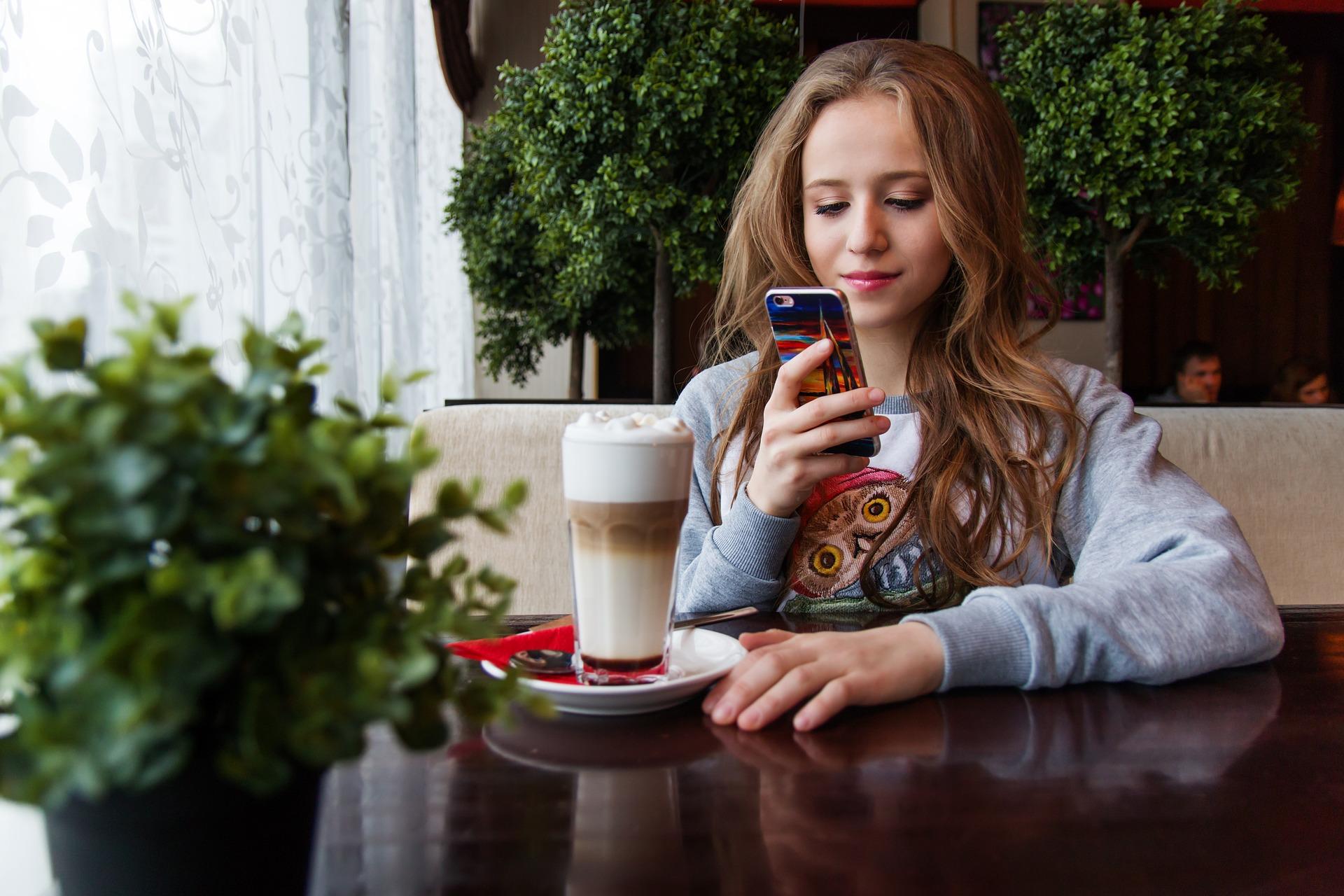 Xiaomi Smartphones on AliExpress' Review: Triple Economy